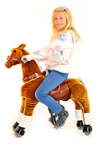 spielzeug pferd zum reiten preisvergleich neuheiten2016. Black Bedroom Furniture Sets. Home Design Ideas